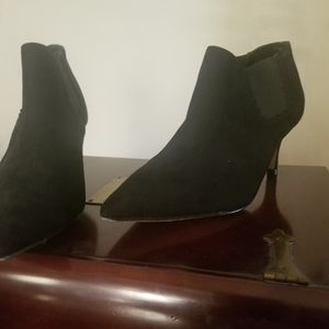 Mk size 11 suede  boot